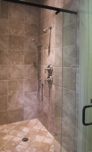 CleanShowerDoors-HusserWindowCleaning